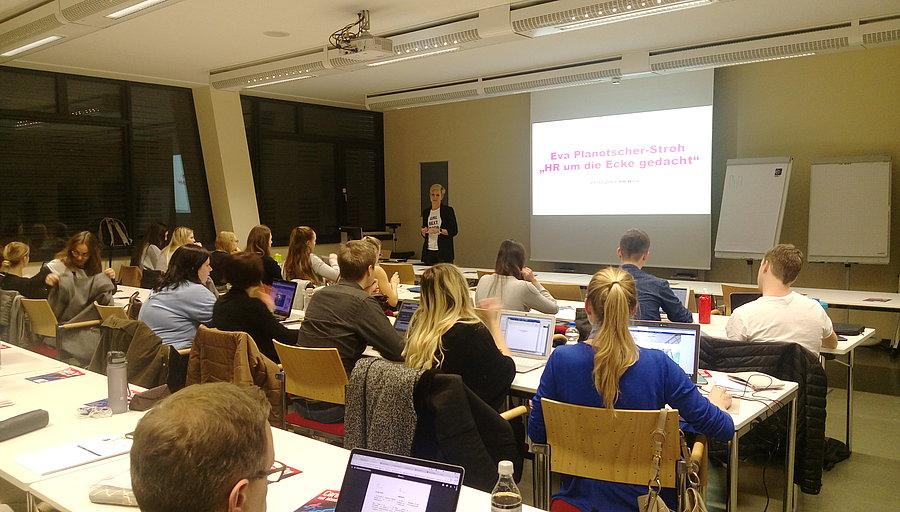 Eva Planötscher-Stroh, Leitung Human Resources Vereinigte Bühnen Wien