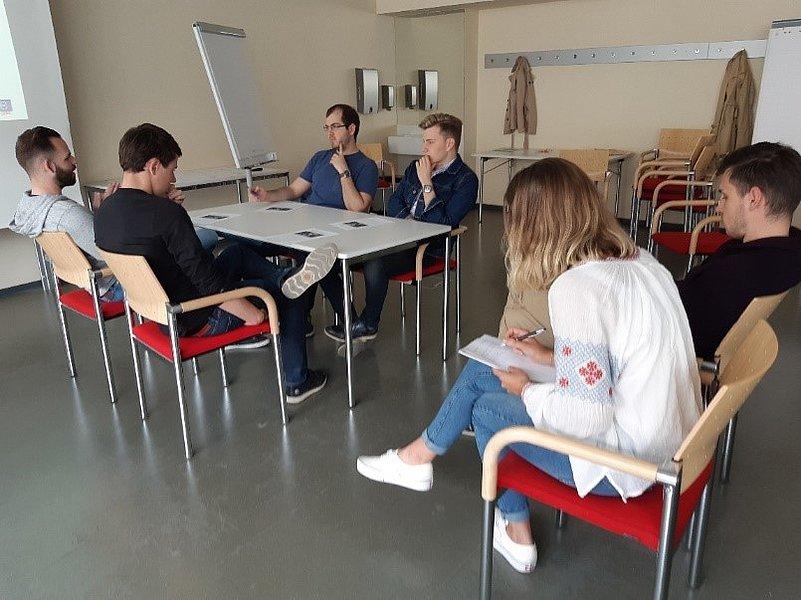 "Extra-curriculares Angebot ""Assessment Centre & Karriereplanung"""
