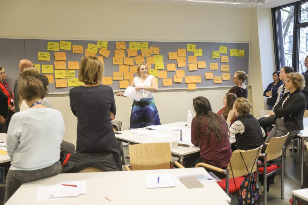 In den Workshops standen die Zusammenarbeit sowie kreative Schreibtechniken im Vordergrund.