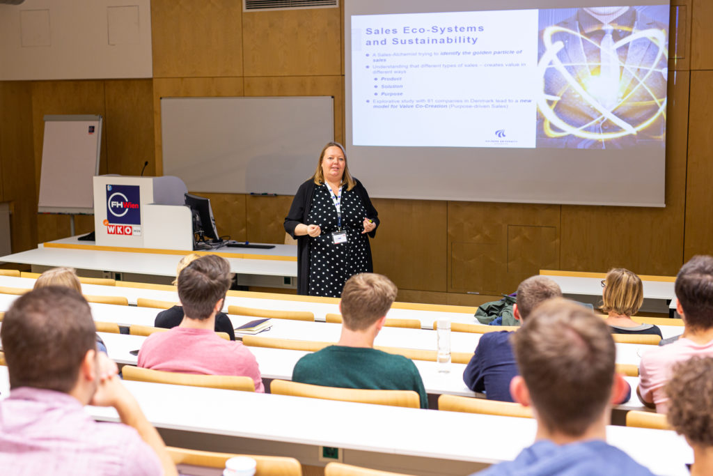 "Keynote von Karina Burgdorff-Jensen zum Thema ""Sales Eco-Systems and Sustainability, Fotocredit: (c) Holly Kellner"