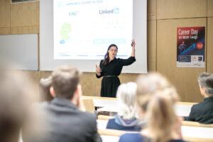 Unternehmenspräsentation am Career Day der FHWien der WKW   Foto: Alexander Müller
