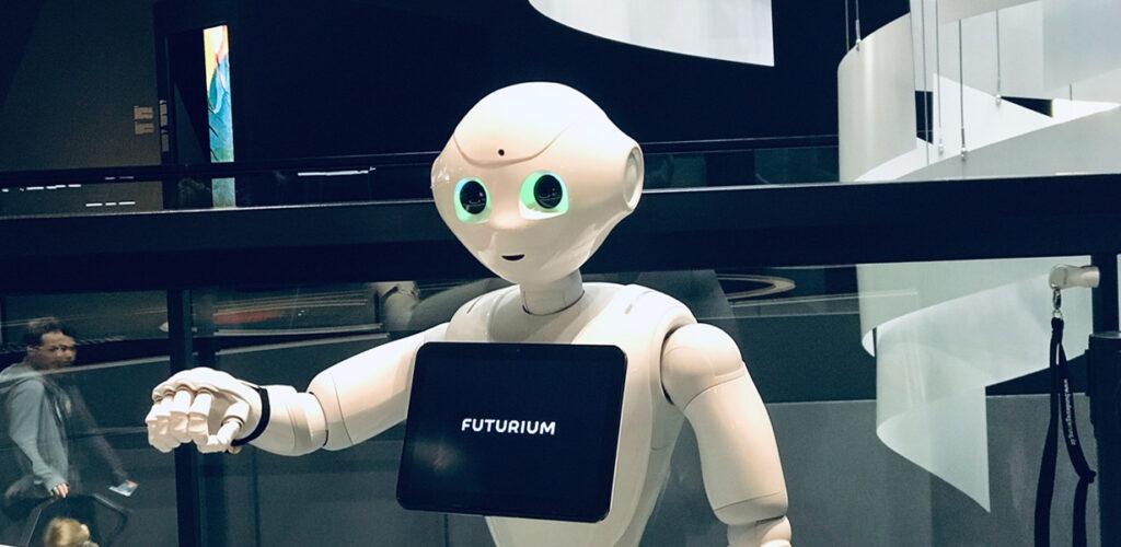 Die FHWien der WKW nimmt CHatbots aus kommunikationswissenschaftlicher Sicht unter die Lupe.