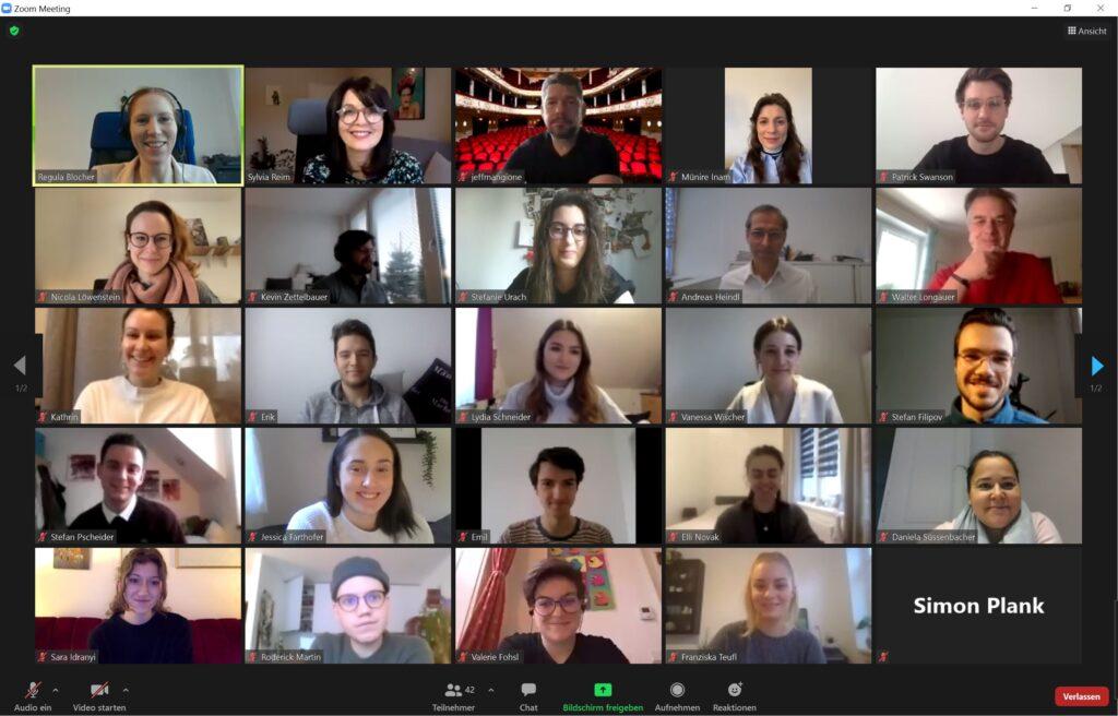 Projektpräsentation von Journalismus-Studierenden über innovative Medienprojekte