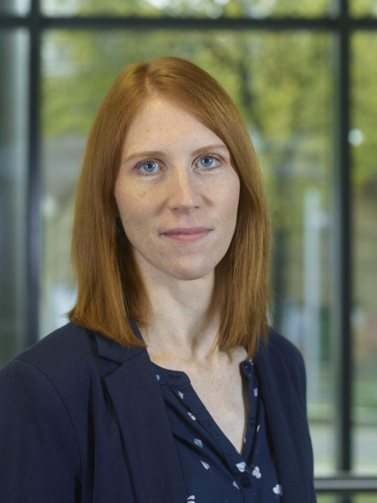 Portraitbild von Regula Blocher, Academic Coordinator für New Media & Online Journalism.