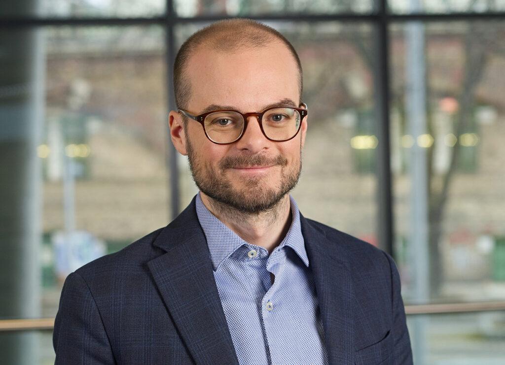 David Dobrowsky ist Head of Competence Team for Marketing an der FHWien der WKW.
