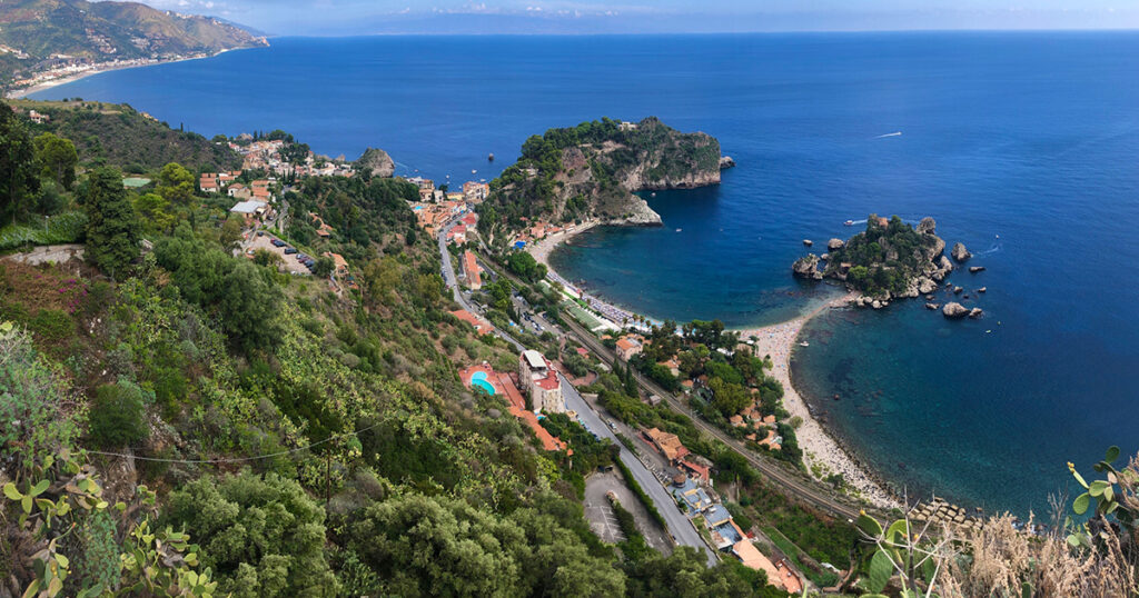Teilnahme der FHWien der WKW bei der Konferenz der American MArketing Association 2021 vertreten durch David Bourdin - Ausblick auf die Küste Siziliens